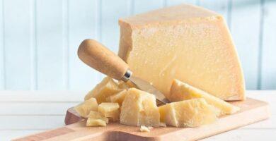 9 beneficios del queso parmesano