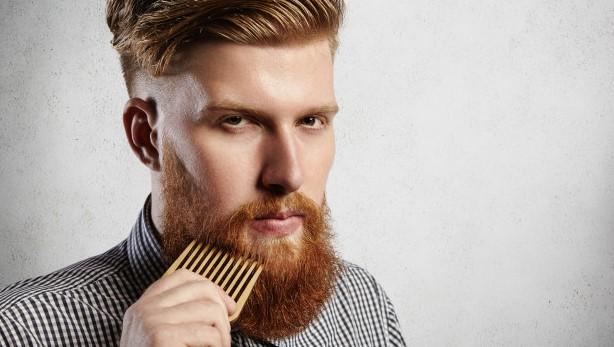 mantener la barba sin caspa